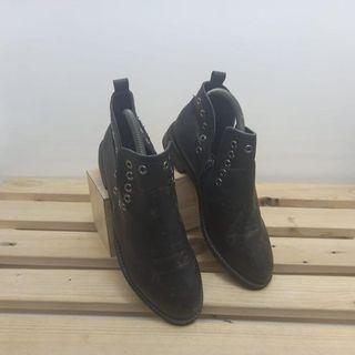 sepatu wanita high prada milano black   size 38
