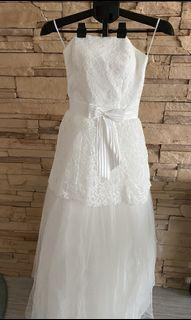 Beautiful White Laced Bustier Wedding Dress (S Size)