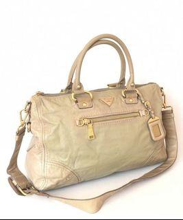 Prada tote leather taupe with longstrap 40x25cm
