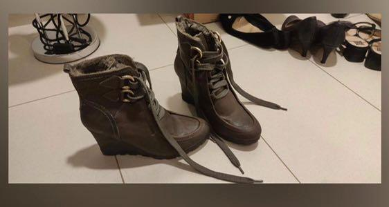 Sale - Guess Boots