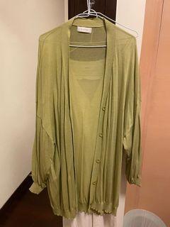 牛油果綠色針織排扣泡泡袖長外套罩衫