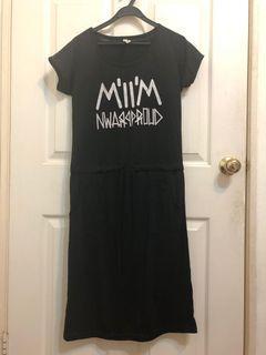 英文字母腰綁帶洋裝