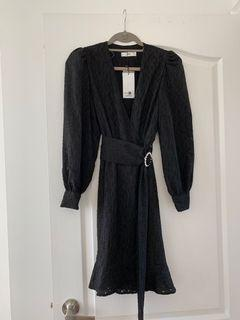 Brand new with tags puff sleeve wrap dress