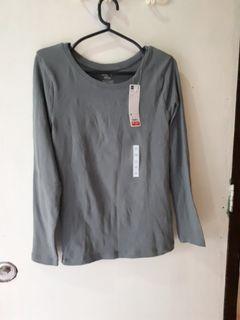 GIO by Uniqlo pullover