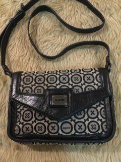 Mimco… Black n White Sling Bag
