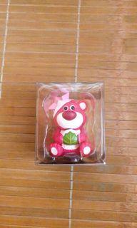 日本迪士尼商店 絕版熊抱哥 草莓熊 達摩公仔 擺設