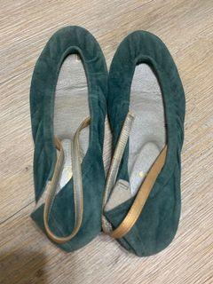 Gozo絨布淺口後鬆緊調整平底鞋
