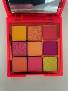 Huda Beauty Neon Eyeshadow Palette