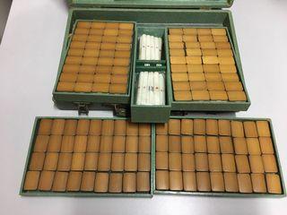 幾十年歷史的古舊竹麻將連盒