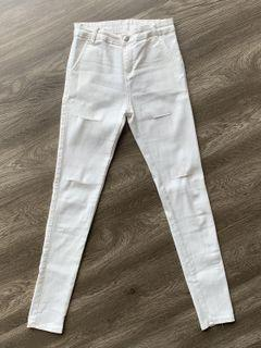 White Stretchy Jeans (Ripped) size L
