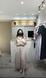 正韓-清新抽繩雪紡印花襯衫領洋裝(卡/全新)