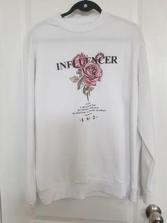 Ardene large womens graphic white sweatshirt