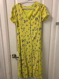 Cute yellow summer dress size 2
