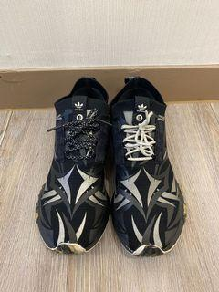 正品二手Adidas 黑荊棘clot聯名nmd  us9.5