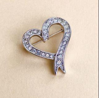 AUTHENTIC MOSCHINO BROOCH | EXCELLENT CONDITION | SOURCE JAPAN | CLEAN READY TO WEAR | SOLD AS IS NO ORIGINAL INCLUSIONS