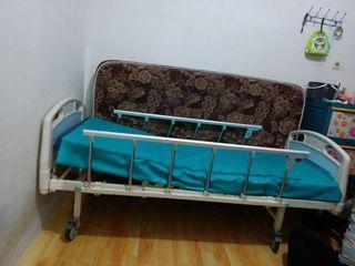 Ranjang rumah sakit 2 engkol