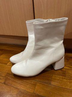 S&H white boots
