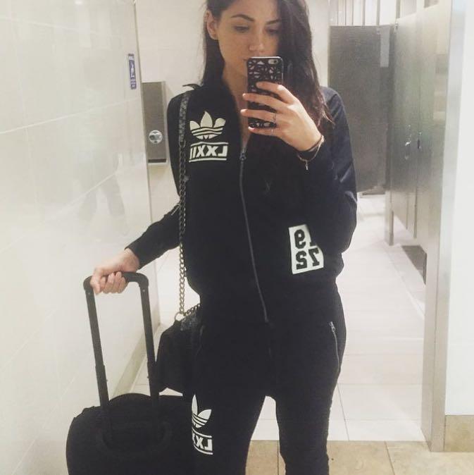 sydney_clothes
