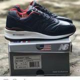 wah_sneakers