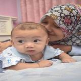 mom_aksa