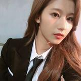 likeyjeongyeon