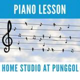 teacher_piano