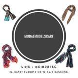 modalmodelscarf