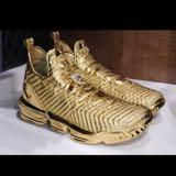 sneakers_reseller