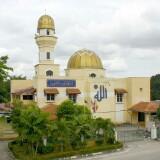 jemaah_masjid_kuning